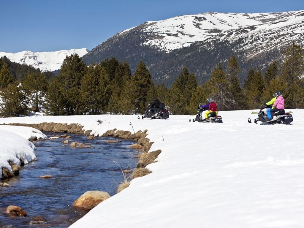 calafate-ski-center-motos-de-nieve-baqueira-valdaran
