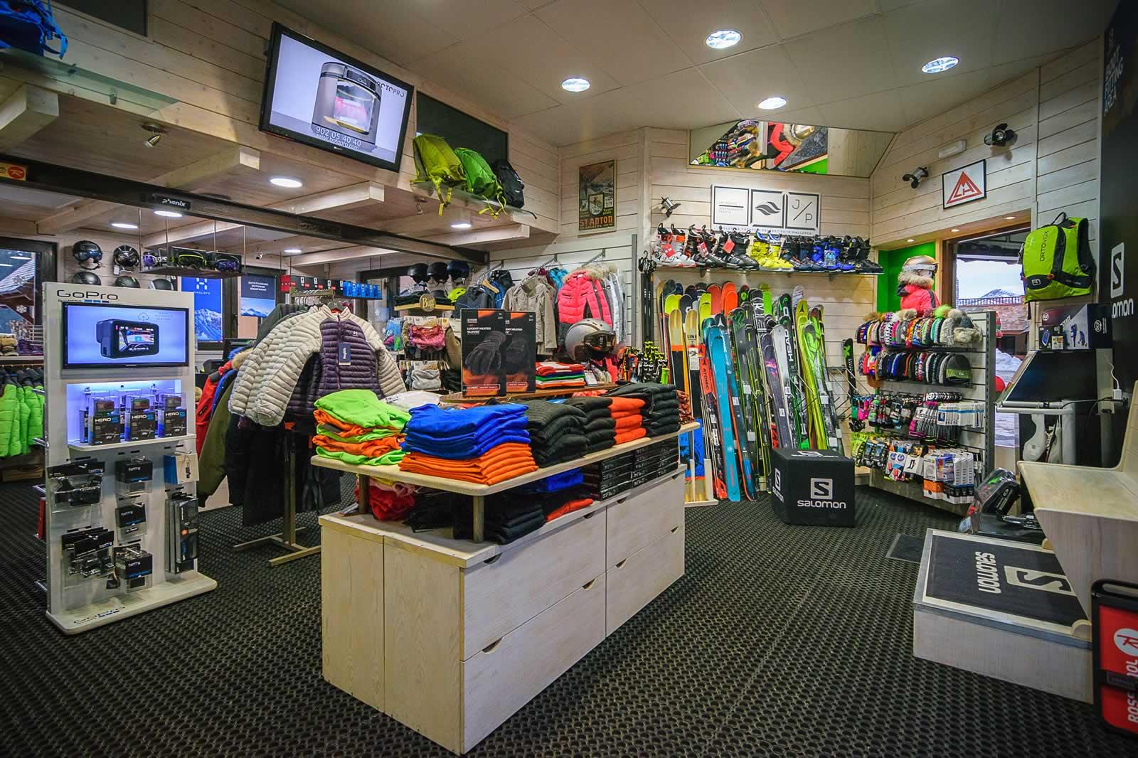 tienda-ski-baqueira-tanua-calafateskicenter